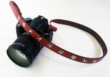 SURPRISE CAMERA STRAP *RED*
