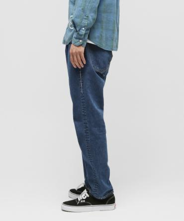 Stone washed taperd denim pants