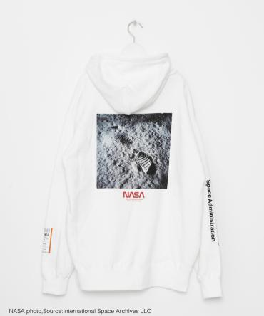 NASAコラボ BACK PHOTO LOGO Hoodie[LEC801]ホワイト